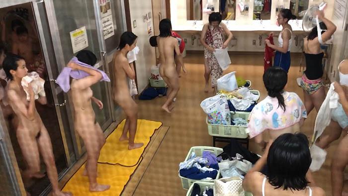 究極の女子たちの合宿風呂 6